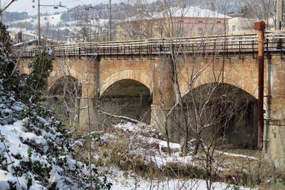 Ponte ferroviario sul fiume Foglia